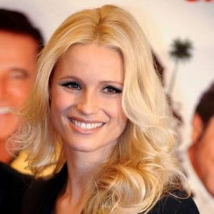 Medium Blonde Lace Front Celebrity Hairstyle 100% Human Hair